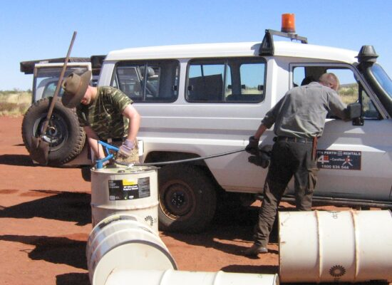 Refill of a landcruiser out of a 200 liter drum