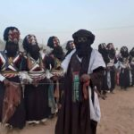 Tuareg treffen sich auf dem Sebiba Fest nahe Djanet Algerien 4x4 Offroad overland Outback Expeditions Markus Linse