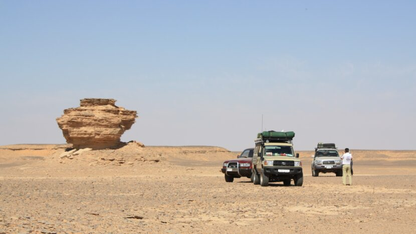 Outback Expeditions professional off the beaten track travelling worldwide Expeditionen und Abenteuerreisen