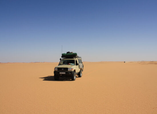 Outback Expeditions Overland off the beaten track worldwide in Northafrica Nord Afrika Algerien 4x4 Offroad Overland Trip Transafrika Mauretanien 4x4
